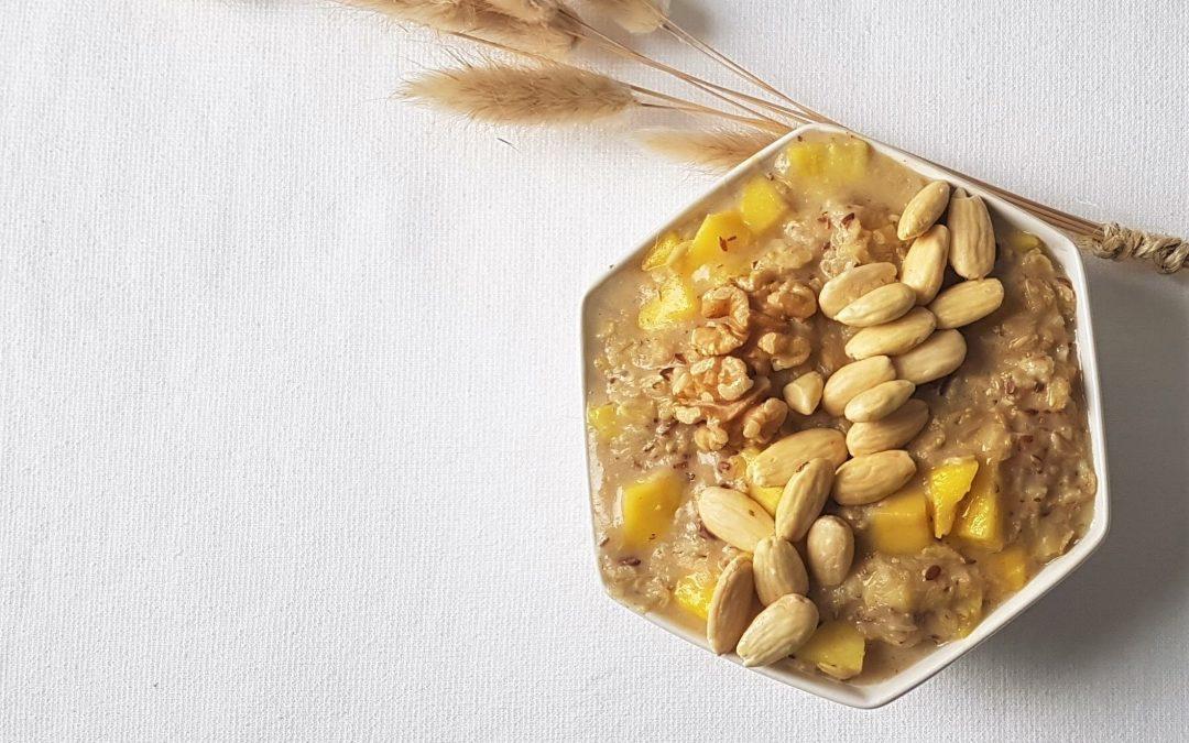 ananas mango oats bowl havermout ontbijt met pluim